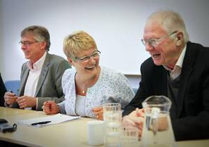 Maud Olofsson fick beröm av Per Åsling, till vänster, och företagarveteranen Pelle Stjernström.– Det här gjorde du bra, sa Stjernström.