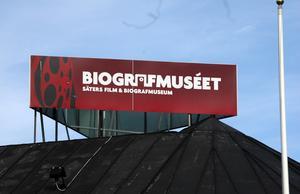 Fel placerad. Skylten till Biografmuseet är fel placerad, anser miljö-och byggnadsnämnden i Säter.