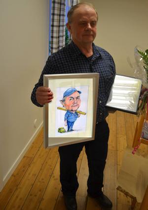 En tavla förfärdigad av Leif Mattisson förutom diplomet och blommorna, men mest äran, som varar evigt…