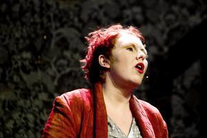"""Sara Kreft, musikaldebutant i """"Cabaret"""". Hon känner ett """"kaotiskt lugn"""" inför lördagskvällens premiär."""