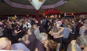 Enligt föreningens ordförande Roland Persson finns det intresse från andra föreningar att ta över danspaviljongen.