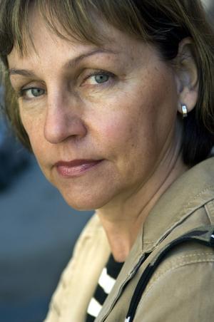 Deckaraktuell. Helene Tursten är aktuell med sin sjunde deckare om kriminalinspektör Irene Huss. Ämnet är trafficking och sexslaveri, ett växande problem i hela västvärlden.