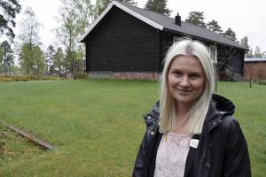 Nathalie Stjerqvist, fastighetsmäklare, är både glad för och lite överraskad över det stora intresse det var för huset. Samtidigt poängterar hon att det är positivt för Vansbro.