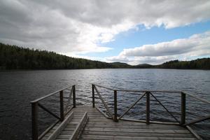 En egen brygga vid sjön.