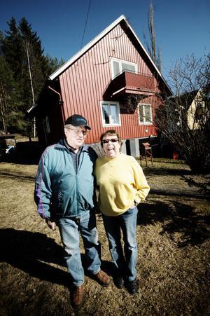 Harry och Signe Persson har bott i sitt hus på Per-Olsområdet ända sedan det byggdes för femtioett år sedan.