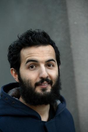 Väskorna står ständigt packade för Soran Ismail – som ståuppkomiker befinner han sig ofta på resande fot.