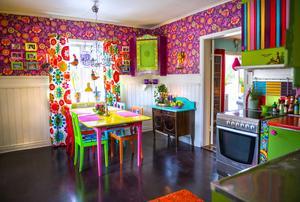 Köket är hemmets hjärta och här trivs Annika.