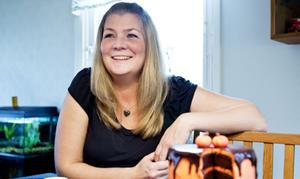Anna Persson i Njurunda vet hur man kan göra och delar med sig av sina ruggigaste tips till halloweenfirandet.