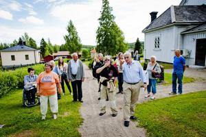 Vandring i kyrkomiljö är ett av inslagen i Loosveckan.