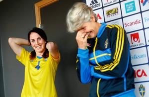 Landslagsaktuell. Marina Pettersson-Engström svarade för en kanonsäsong och togs ut i Pia Sundhages landslagstrupp till landskampen mot Tyskland på Behrn arena. Marina blev dock kvar på avbytarbänken under hela matchen.