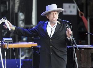 Bob Dylan är en omdiskuterad Nobelpristagare.