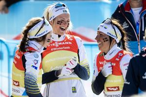 De svenska damerna levererade som aldrig förr under den gångna säsongen, en fröjd för svensk längdskidåkning och för det svensak folket. Foto: Tore Meek /TT
