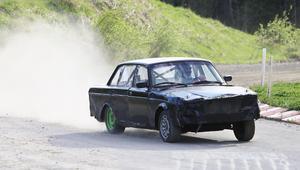 En rivstart (nåja...) av en darrig rookie på Eriknäsbo rallycrossbana.
