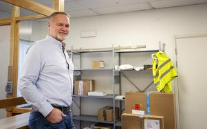 DB Schenker har 53 ombud i Gävleborg och norduppland säger Ulf Wiik. De har nyligen öppnat en paketutlämning på terminalen i Gävle, men än är det få som använder den.