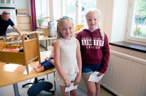 Ida Maria Hugozon och Sabina Eriksson tycker att det har varit ett roligt firande.