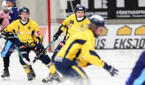 Viktor Weiselius med Blåsut/Vänersborg BK i division 1 förra säsongen. Den här vintern har han inte spelat någon bandy.