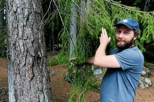 David Tverling, naturguide mer rötter i Tångeråsa.
