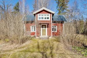 200 000 kronor kostar huset med adress Römossen 197 i Hallsberg.