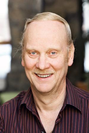 För den enskilde blir det bättre och fler möjligheter att träffa Arbetsförmedlingen, säger Göran Persson, regionchef, efter myndighetens beslut att lägga ner 130 lokala kontor i landet.  Foto: Arbetsförmedlingen/Joakim Folke
