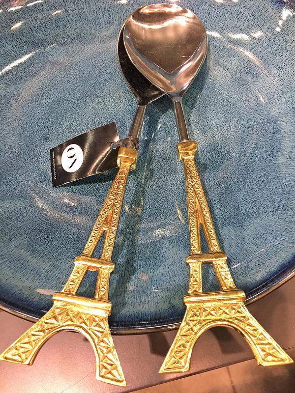 Salladsbestick att drömma sig bort till Paris med. 400 kronor från ON.