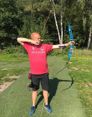 Erik Jonsson representerar BSK Edsbyn på tävlingar, men är även medlem i Avesta bågskytteklubb. Foto: Roland Bärtilsson