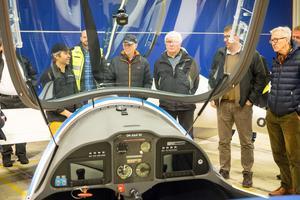 Många intresserade kom för att se flygplanet och höra mer om Green Flyway.