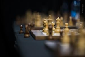 Röstar du på ett parti, kan du få ett annat på köpet. Politik har blivit som schack, skriver Ewa-Leena Johansson, kommunalråd i Ljusnarsberg (S).