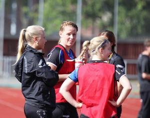 Sara Stargård har en mängd säsonger i Forsby bakom sig. En spelare som aldrig viker sig och alltid ger allt för lagets bästa. Foto: David Eriksson/arkiv