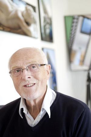 Dieter Stöpfgeshoff föddes i Tyskland. 1967 tog kärleken honom till Sverige.