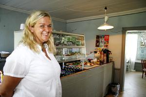 ARKIV. Anna-Karin Alm som tidigare även drev Wirenska gården har i dag enbart Bergsmannen. Hon satsar i Hofors och planerar bland annat en rust av restaurangdelen, men att köpa fastigheten som hotellet ligger ser hon ingen möjlighet till.