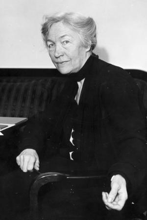 Kerstin Hesselgren fotograferad 1932, drygt tio år efter att hon valdes in som första kvinnliga riksdagsledamoten. Foto: Bertil Norberg/Scanpix.