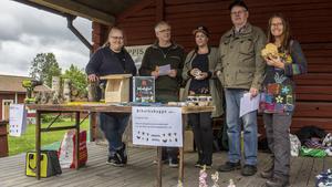 Fagerstas Naturskyddsförening var på plats och visade bland annat hur man gör biholkar.