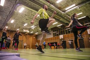 Fredrik Jonsson är en av få män. – Vi ser gärna att fler män kommer och tränar med oss, säger ledarna.