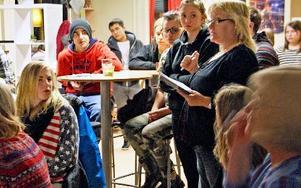 Ungdomsvägledare Pia Fältgård har ordet.