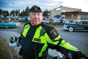 Johan Alm, gruppchef för länets trafikpoliser, ser det stora antalet trafikdödade som ett misslyckande.