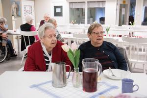 Det känns väldigt tråkigt att lunchserveringen läggs ner på Balder, tycker Ethel Lindahl och Karin Rydholm, som tillhör matsalens trogna gäster.