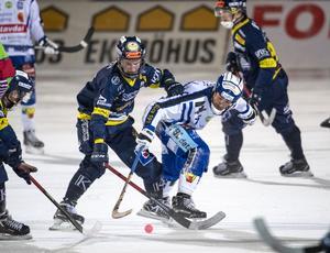 Tobias Dahlin har skrivit på ett nytt ettårskontrakt med Falu BS.