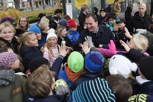 Statsministern gör ett besök i Uppsala under sin resa med trygghet och brottsbekämpning i fokus.