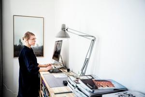 Anna Esbjörnsson trivs med att driva sitt eget företag och tycker att friheten det ger skapar möjligheter för henne att hämta ny energi till nya projekt.