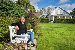 Stina läser, planerar och ritar sin trädgård på vintern, berättar hon.