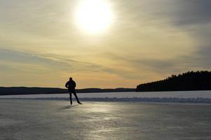 Runn bjuder på fin is och fantastiskt väder.