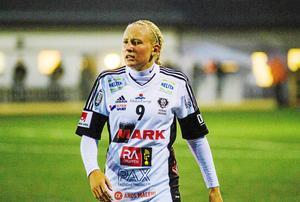 Cassandra Korhonen gillade vad hon såg när hon besökte IFK Kalmar men valde ända att stanna kvar i BK30.