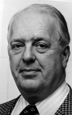 Undersökningsledaren som aldrig skrev någon slutrapport: Carl-Filip Mannerstråle (1924–2002), amanuens vid Riksantikvarieämbetet, senare länsantikvarie i Kristianstad. Foto: VLT.