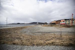 Här längs Storsjöns strand i Östersund ska åtta ställplatser för husbilar byggas.