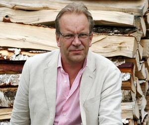 Litteraturdocenten Johan Lundberg gjorde en kritisk genomgång av den svenska kulturjournalistikens utveckling i reportageserien