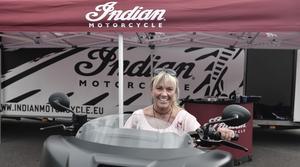 Eva Göransson är initiativtagaren till Skoj på Hoj, där motorcykelåkare träffas två gånger i vecken för utflykter.
