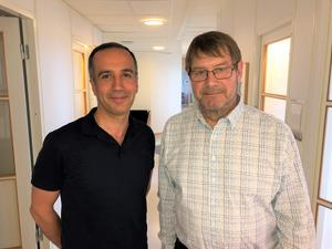 De leder översynen av operations- och intensivvården inom Region Örebro län:  Payam Ceghafi, chef för plastik- och käkkirurgen USÖ, och Ewald Ornstein, områdeschef för operation och onkologi.