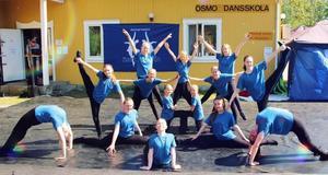 Uppvisning med Ösmos Barn. Foto: Patrik Liljestedt