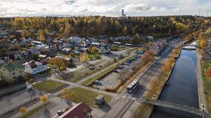 Foto: Niklas Lundqvist / Söderhamns kommun. Det är är på parkeringen vid Södra Hamngatan som det planeras för bostäder.