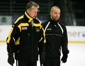 Johan Tornberg skulle vara assisterande tränare till Per Bäckman under säsongen 06/07 för att sedan ta över huvudansvaret. Eller det var i alla fall tanken. Men när Bäckman tog över Frölunda mitt under säsongen kastades Tornberg in i hetluften tidigare än planerat.FOTO: Arkiv